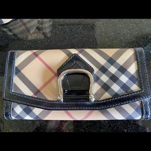 Burberry women's wallet purse clutch